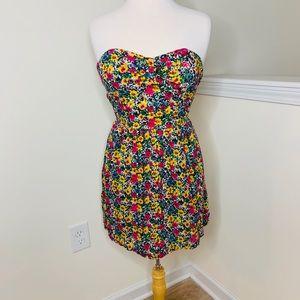 🎉5 for $25🎉 Twenty One Floral Strapless Dress